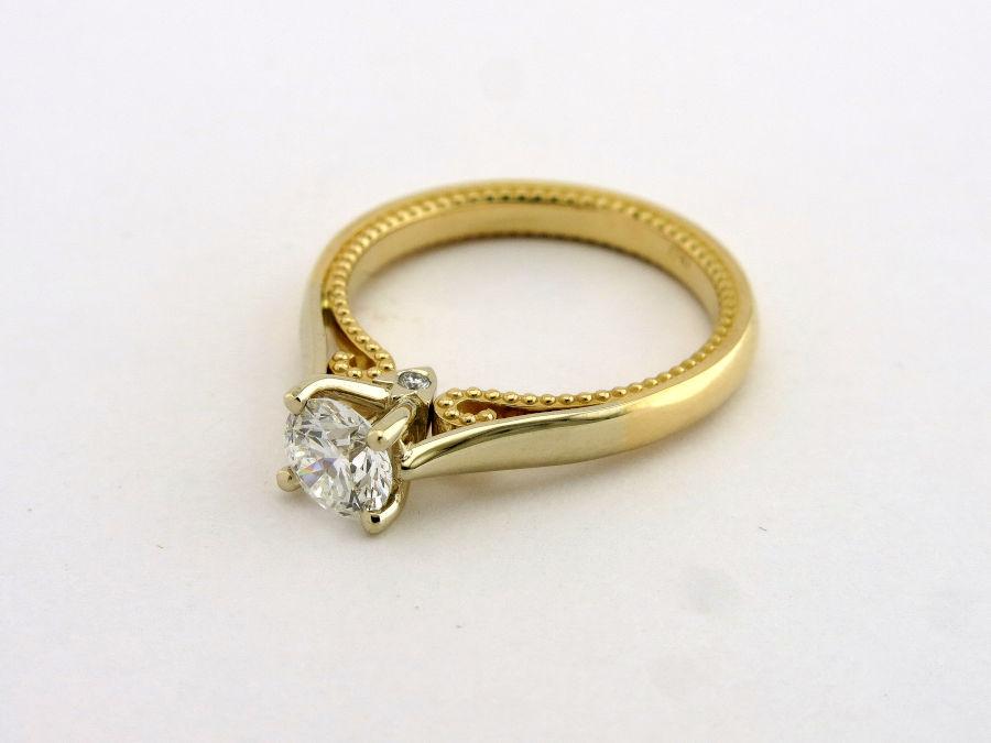 Кольцо для помолвки из золота