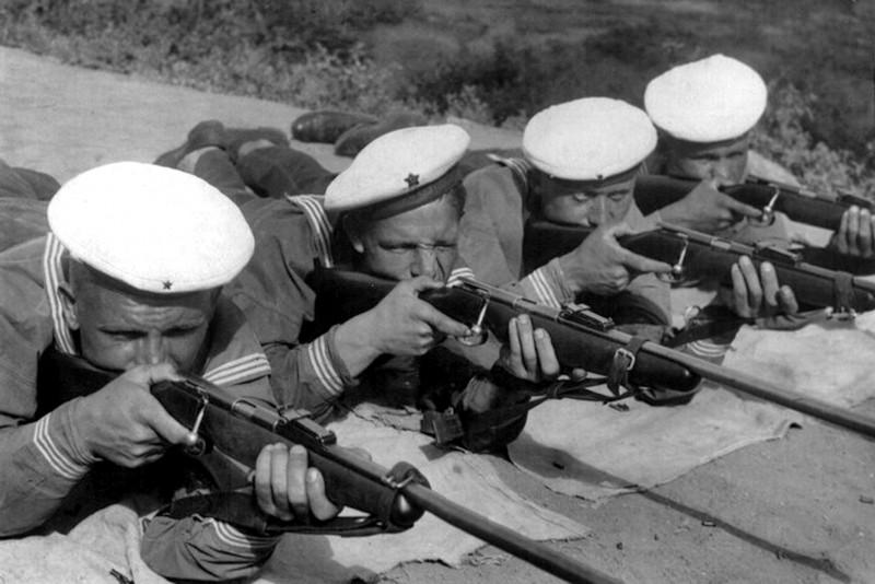 1938-taganrogskijj-voenno-morskojj-lager-osoaviaxima.jpg