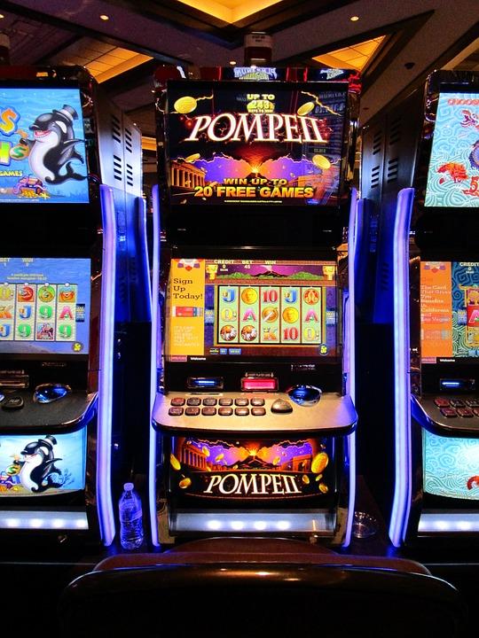 Игровые слоты в казино Joker