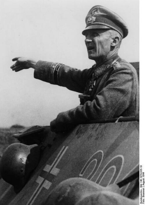 1944 Хассо Мантойфель.jpg