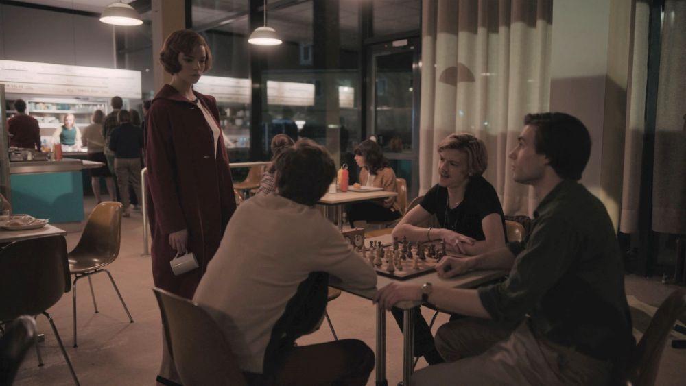 Бет в кафетерии