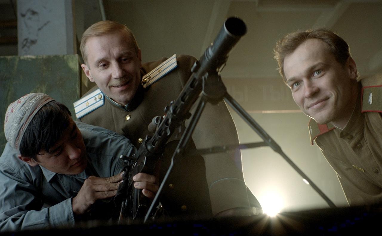 кадр из фильма про войну 2020