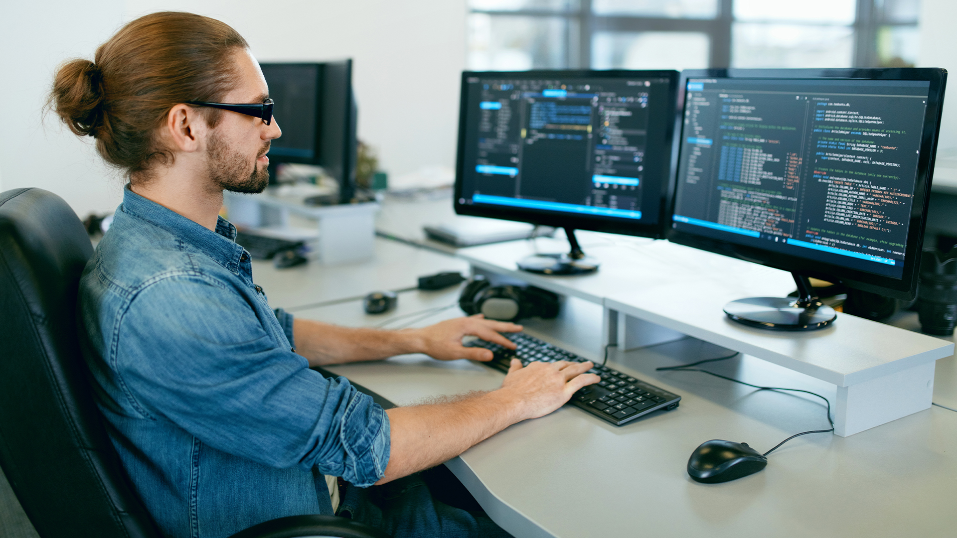 Программисты - востребованная и высокооплачиваемая специальность